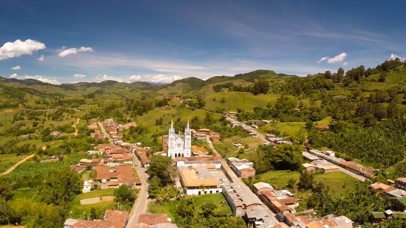 alentours de medellin antioquia jerico colombia ©MathieuPerrotBorhinger USO LIBRE